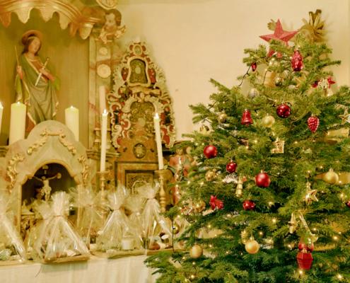 Christbaum in der Kapelle